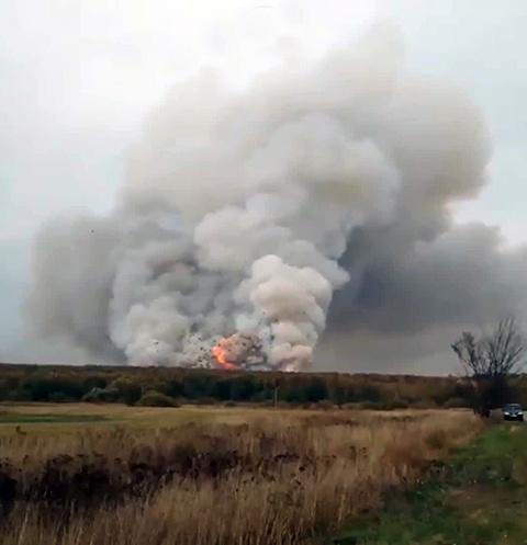 Пожар на складе начался внезапно