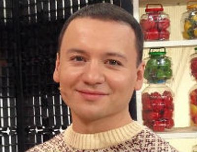 Александр Олешко хочет усыновить ребенка