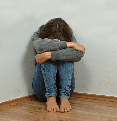 От рук приемного отца пострадали минимум две школьницы