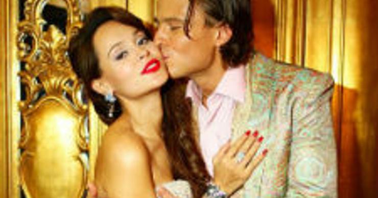 Прохор Шаляпин устроил «беременную» фотосессию с подругой