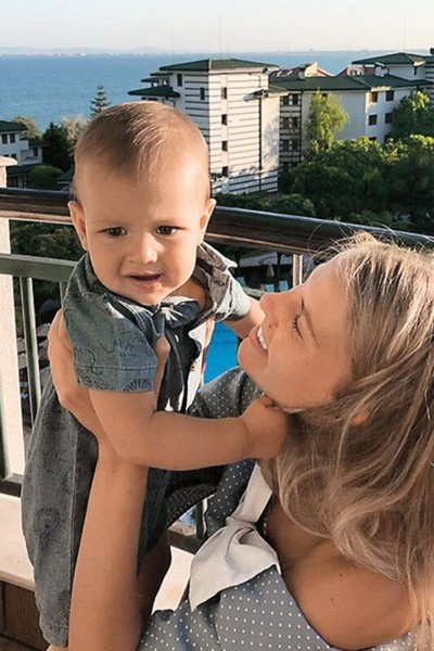 Теледива уверена: внук похож на нее