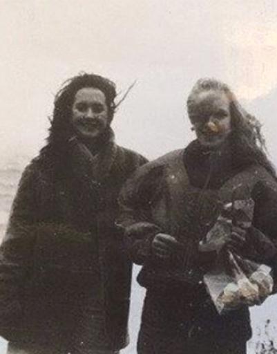Юная Жанна Фриске с подругой