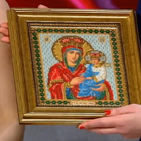 Икону Божьей Матери Дашко вышила собственными руками