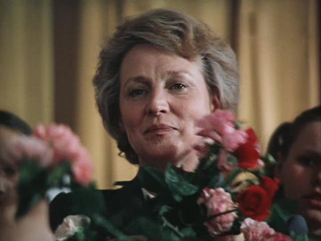 Алла Покровская в картине «Третий в пятом ряду» (1984)