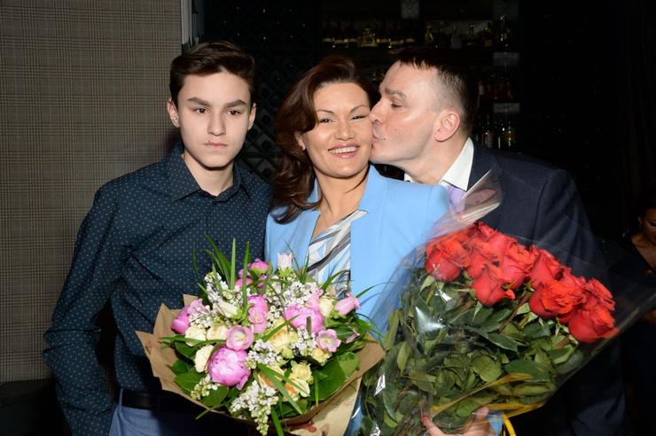 Кирилл постоянно благодарит жену за поддержку и понимание