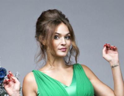 Выбираем наряд к Новому году вместе с Аленой Водонаевой
