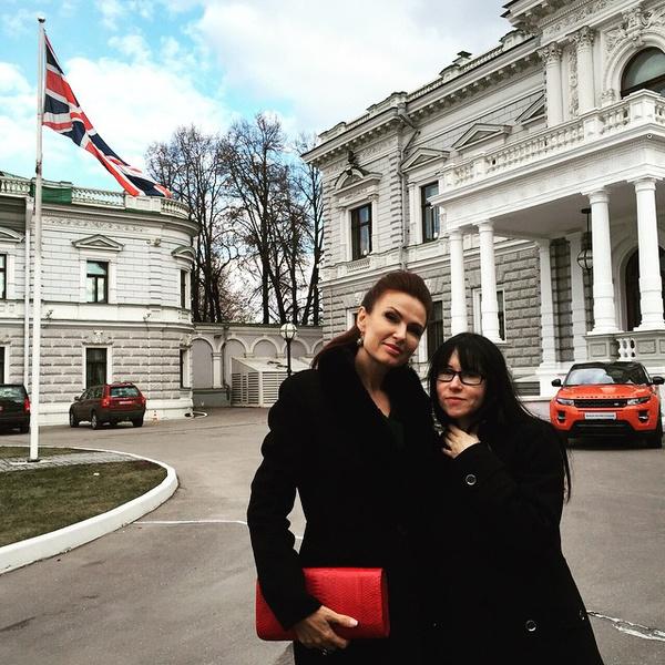 Эвелина Бледанс с Майей