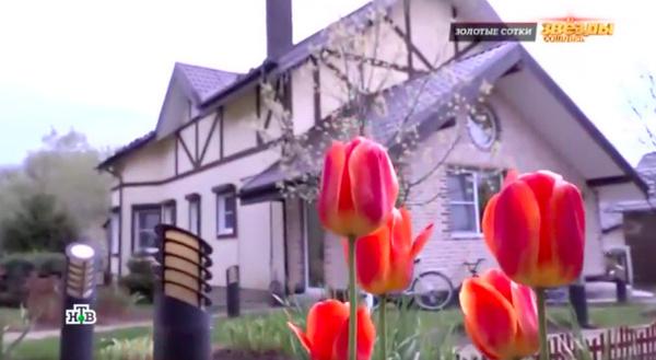 Дом артистки выполнен в пастельных тонах
