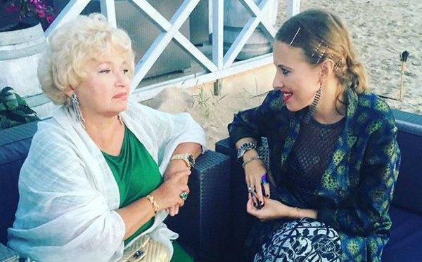 Ксения Собчак рассказала маме о беременности в мае этого года