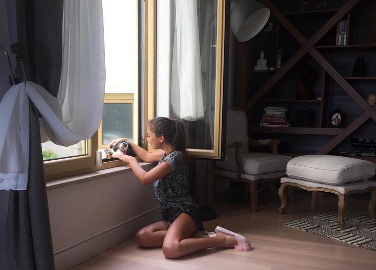 Родственники часто навещают дом актрисы.