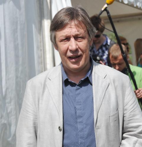 Адвокат Ефремова: «За рулем был весьма известный, непростой человек»