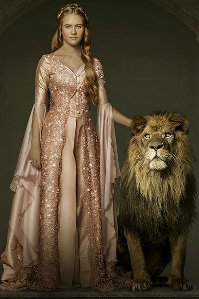 Кесем Султан и нарисованный лев, который оживает в первой серии