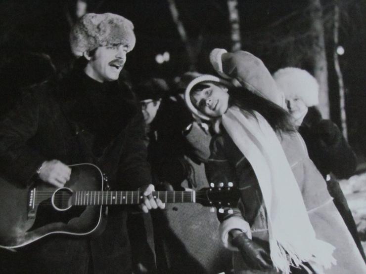 Михаил Боярский на съемках с Галиной Беляевой