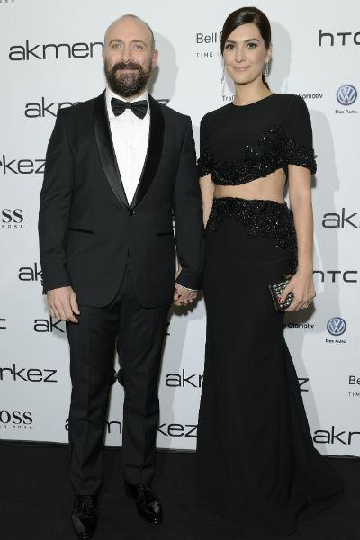 Актер уверен, что именно поддержка супруги помогла ему стать еще более популярным