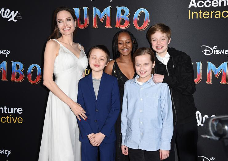 Дети Джоли давно привыкли к причудам матери