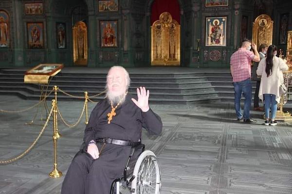 Изможденный и в инвалидной коляске. Последнее фото протоиерея Димитрия Смирнова