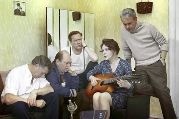 После выхода на экраны «Белорусского вокзала» актриса проснулась знаменитой