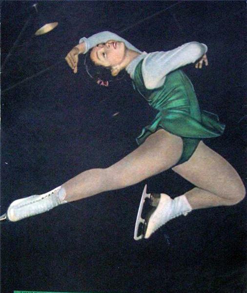 После переезда Чернышева в США Аниканова переквалифицировалась в актрисы