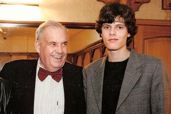 Внук Дмитрий всегда был близок со знаменитым дедом