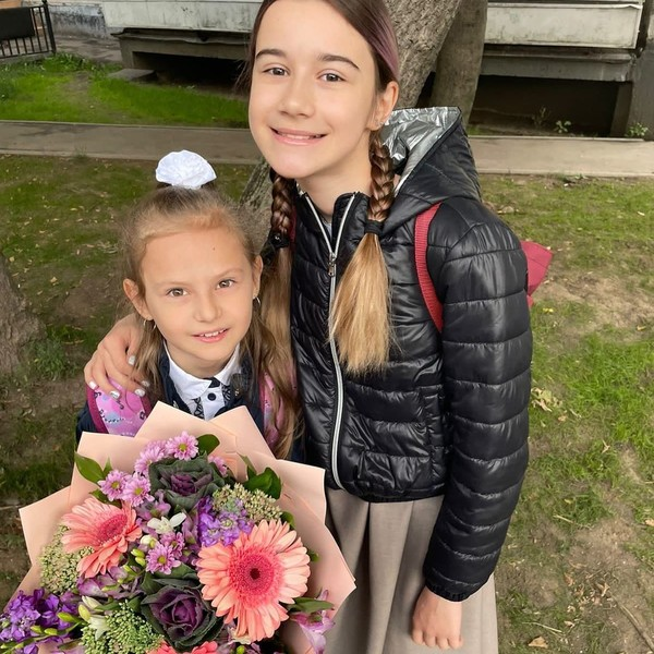 Маклаков гордится успехами дочерей Софии и Ирины