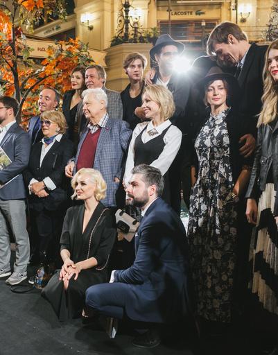 В рамках проекта фотограф пригласил российских актеров театра и кино