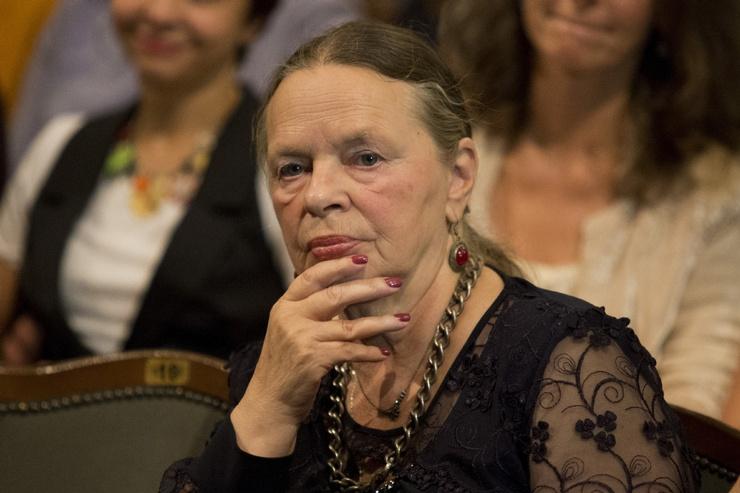 Нина Акимова
