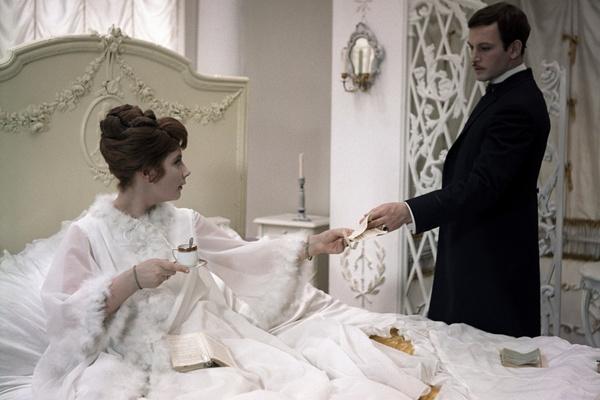 После развода Татьяна Самойлова играла с Василием Лановым в «Анне Карениной»
