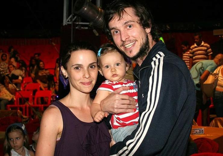 Актриса с бывшим мужем и дочерью