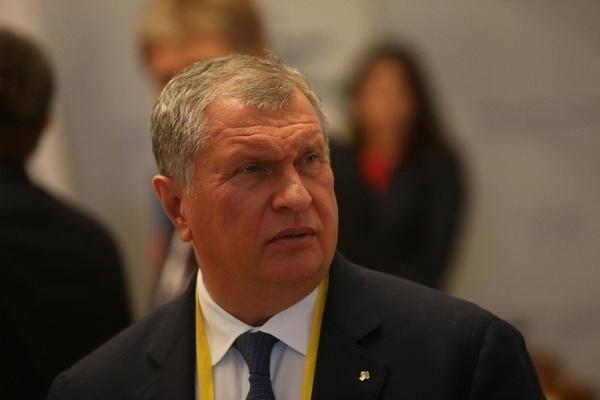 Игорь Сечин пока никак не прокомментировал домыслы общественности