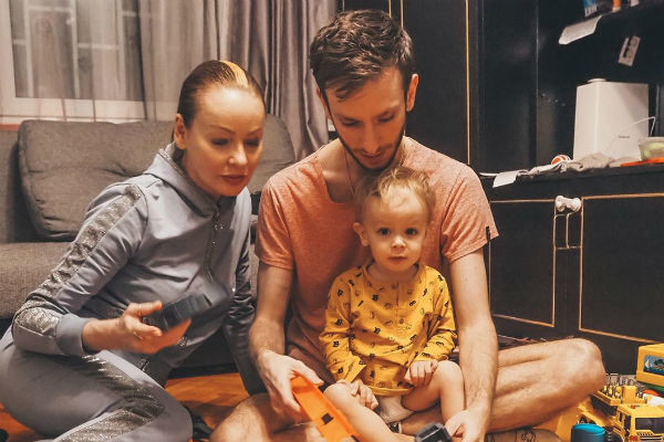 Смыслом жизни для актрисы уже давно стали сыновья и маленький внук