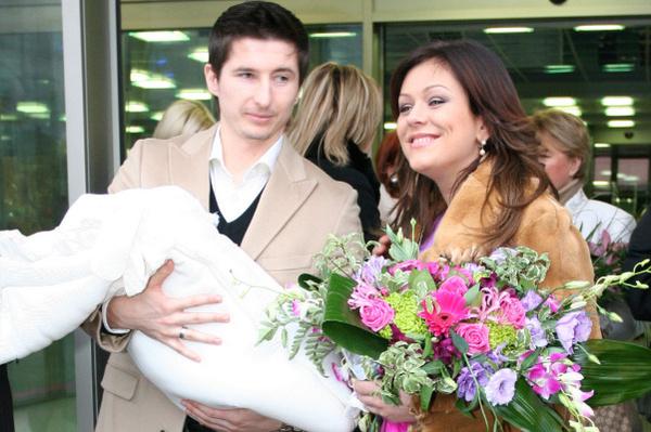 Алдонину Юлия подарила дочь Веру