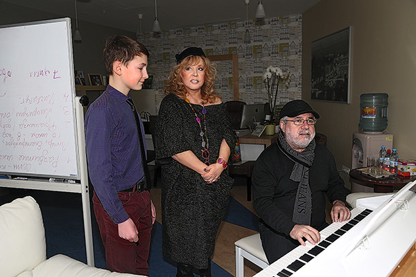 Алла Борисовна и Матвей Аничкин вместе прослушивали новых учеников