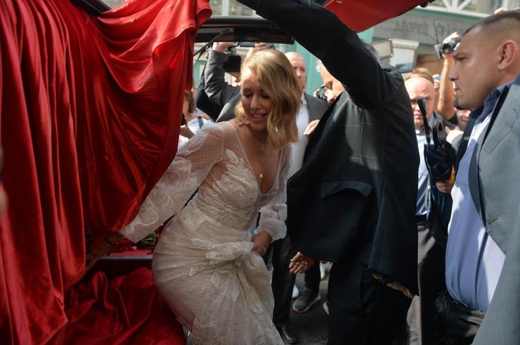 Новости: Ксения Собчак и Константин Богомолов поженились. ФОТО – фото №9