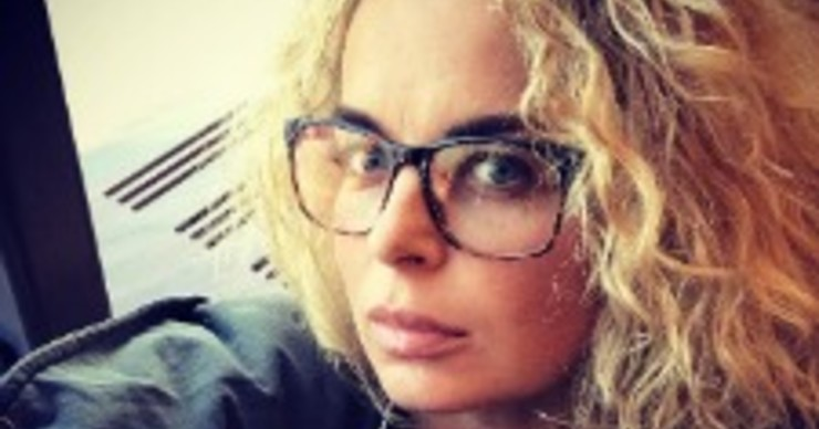 Анастасия Калманович удивила округлившимся животиком
