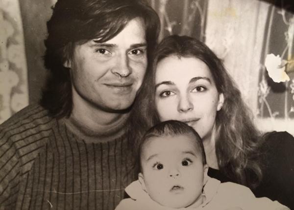 Первым мужем актрисы стал Олегас Дитковскис