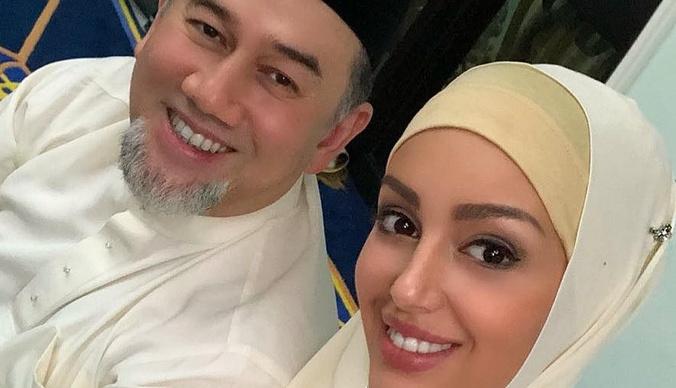 Оксана Воеводина живет на обеспечении бывшего короля Малайзии