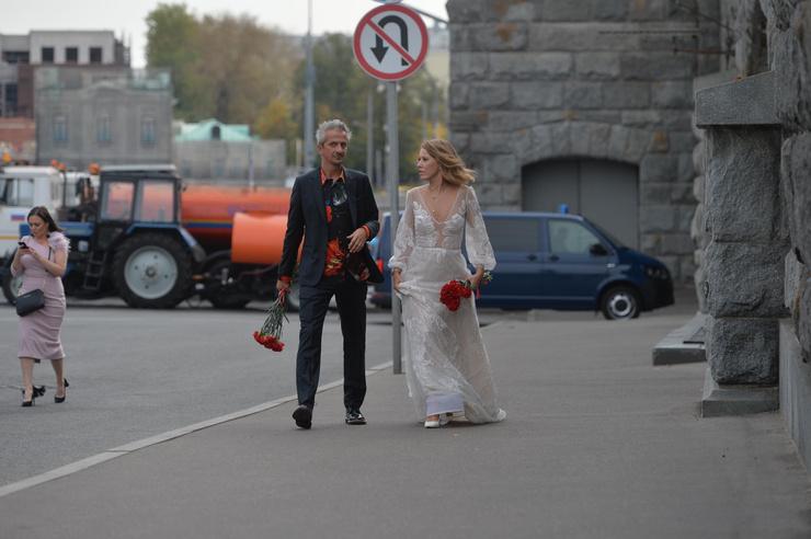 Новости: Ксения Собчак и Константин Богомолов поженились. ФОТО – фото №13