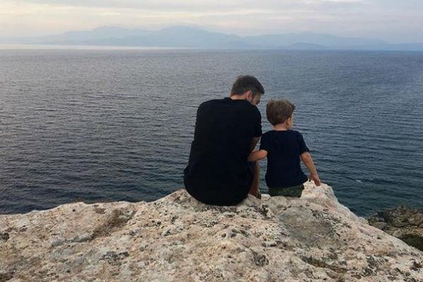 Все свободное время ведущий проводит с сыном