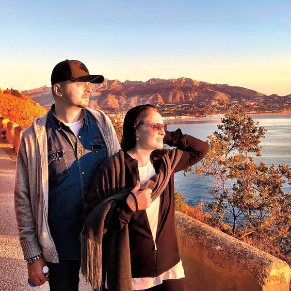 В январе Ротару вместе с сыном Русланом отдыхала в Испании