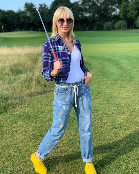 Кристина Орбакайте за игрой в гольф