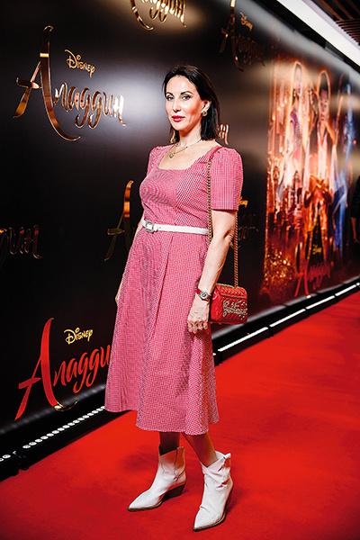 Актриса на премьере фильма «Аладдин», Москва