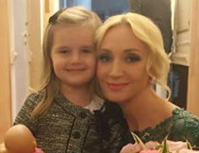 Трехлетняя дочь Кристины Орбакайте воспитывает детей Пугачевой