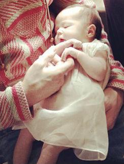 Малышка Эверли родилась 2 недели назад