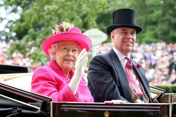 Королева долго закрывала глаза на поведение сына