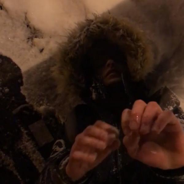 Эдгард не позволил замерзнуть парню на улице