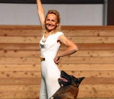 Хвостатая команда: инструктор-кинолог о соревнованиях по танцам с собаками