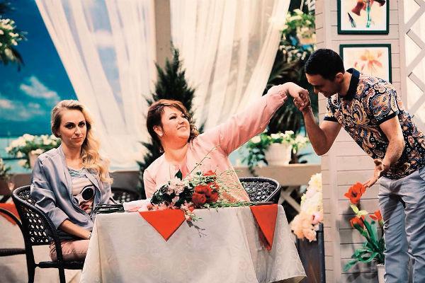 Ситком «Однажды в России», в котором играет Ольга, выходит на экраны с сентября 2014 года