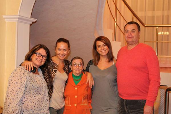Мама Жанны Фриске Ольга Копылова, сама Жанна, бабушка, сестра Наталья и отец Владимир