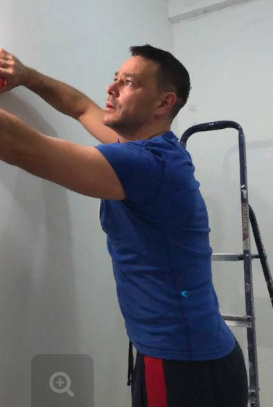 Обнаружить в стене тухлое яйцо Губанову помог пес