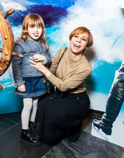 Марианна Максимовская с дочкой